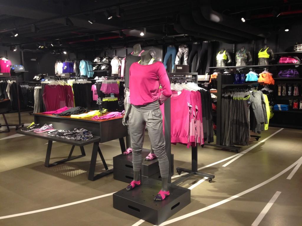 Dit is de nieuwe collectie van Nike Womanswear