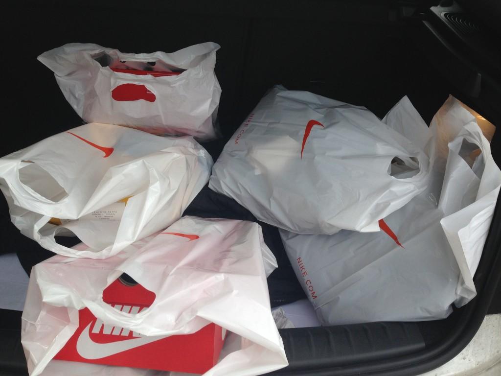 Dit is de schade na een ochtend shoppen bij Nike!!