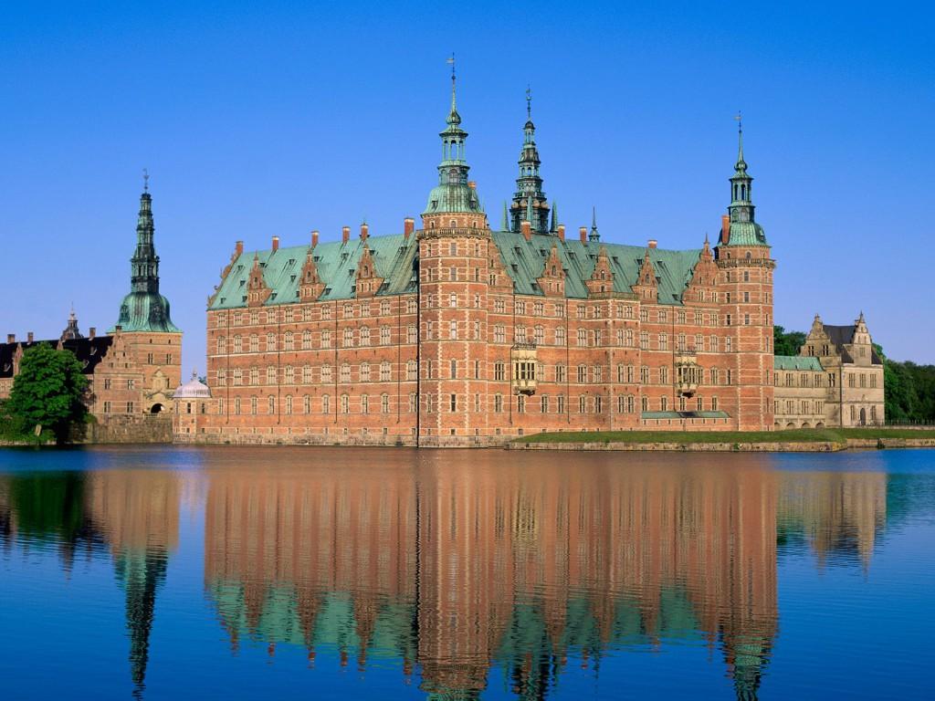 Frederiksborg-Castle-Hillerod-Denmark